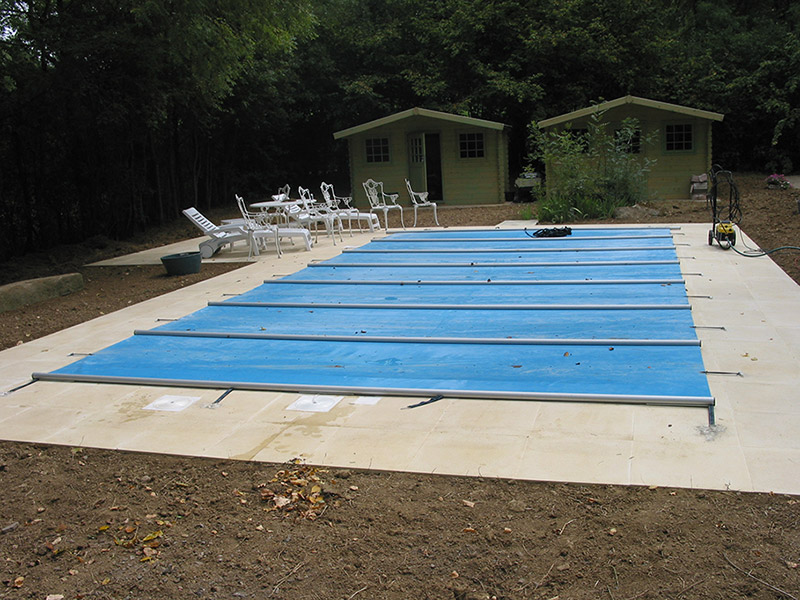 couverture piscine barres